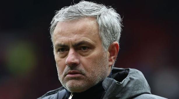 Jose Mourinho nói rằng các CĐV Quỷ đỏ sẽ giết ông nếu không vô địch cúp FA