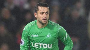 Cựu thủ môn Arsenal gia nhập West Ham